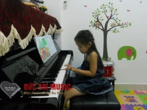 Đàn Piano Cho Bé Gái-01.jpg