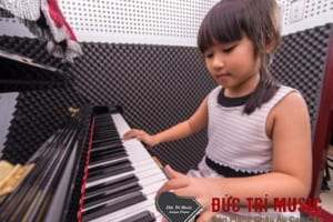 Đàn piano điện cho bé-03.jpg