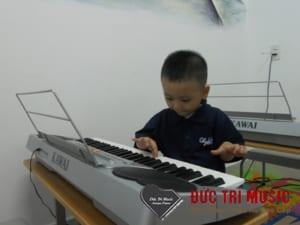 Đàn piano điện cho bé-09.jpg