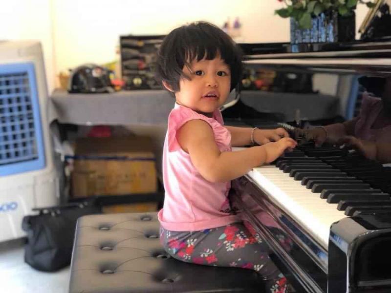 Mua đàn piano trẻ em-01.jpg