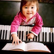 Mua đàn piano trẻ em-03.jpg