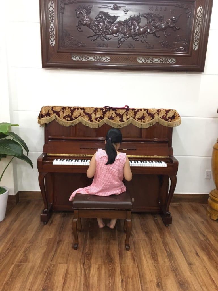 Nên mua đàn piano loại nào cho bé mới học-1.jpg