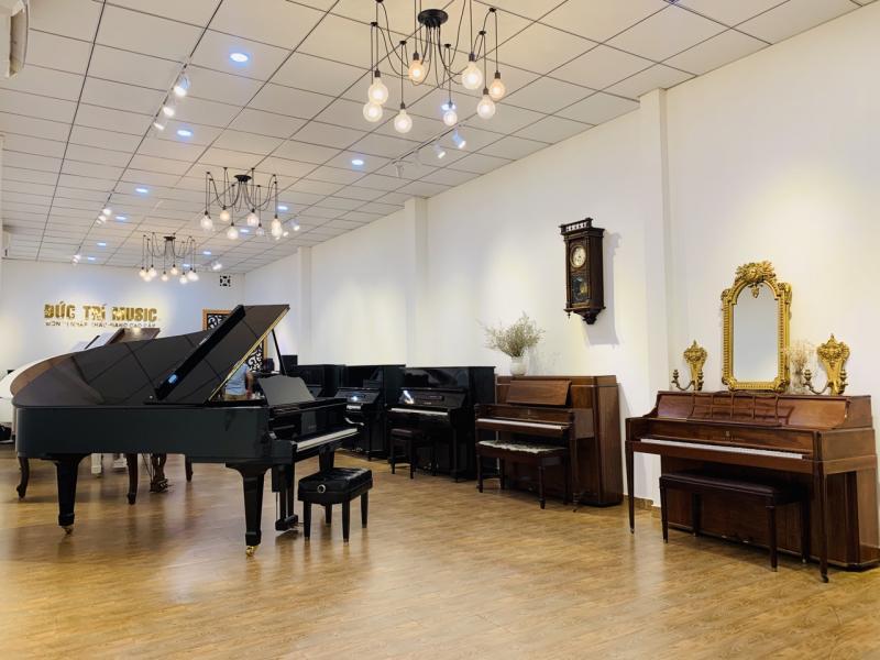 Top 03 đàn piano cơ mới giá rẻ của Yamaha-9.jpg